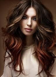 Краска для волос Амбре создает плавный переход цвета от корней до кончиков.
