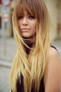Светло-коричневое окрашивание плавно перетекает в родной блонд