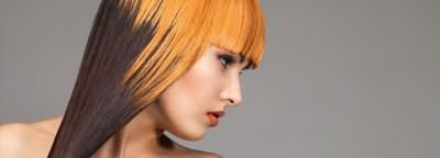 Контрасное окрашивание волос смотрится стильно и необычно