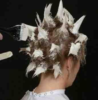 Нанесение краски на короткие волосы