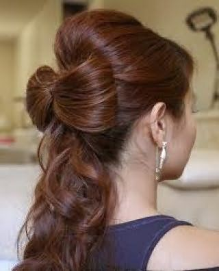 Элегантная прическа бант из волос с хвостом для густых локонов