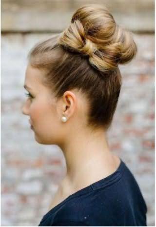 Прическа бант из волос для длинных локонов в сочетании с высоким пучком