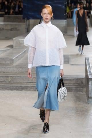 Рубашка белого цвета прямого фасона, с длинными двухслойными рукавами от Kenzo.