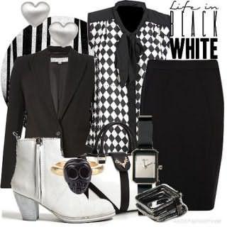 Полусапожки белого цвета, на среднем широком каблуке и небольшая сумка белого тона.