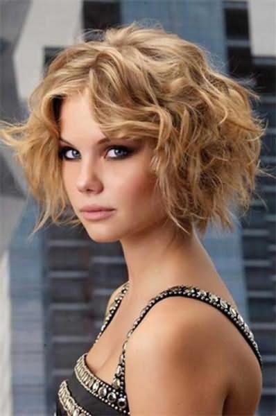 Фото причёски каре на вьющиеся волосы 13