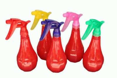 Жидкость-спрей можно залить в обычный пульверизатор