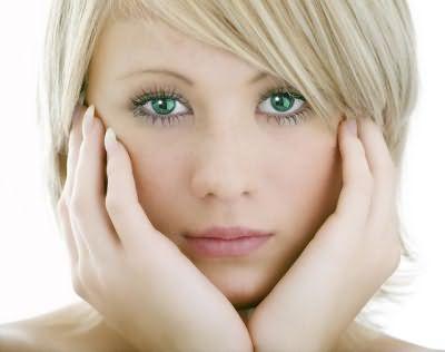 русый цвет волос зеленые глаза