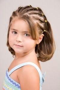 Детские прически разнообразны даже на коротких кудрях