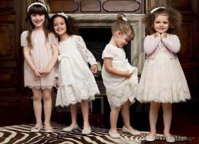 Девочки с разными прическами