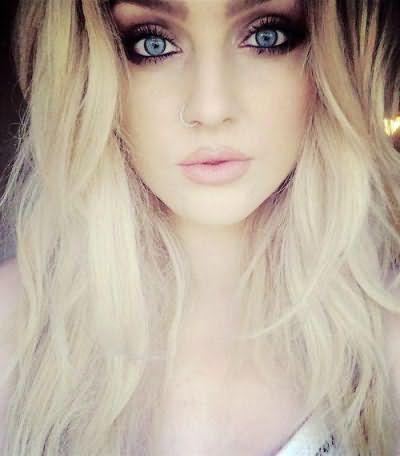 девушки с голубыми глазами и светлыми волосами