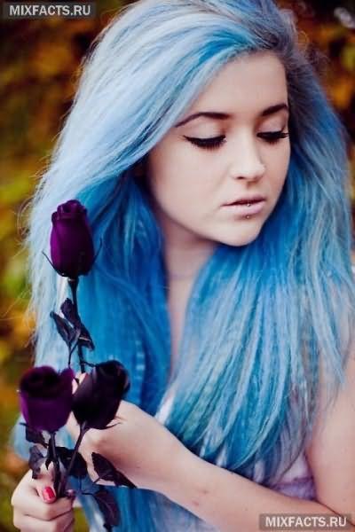 волосы голубого цвета