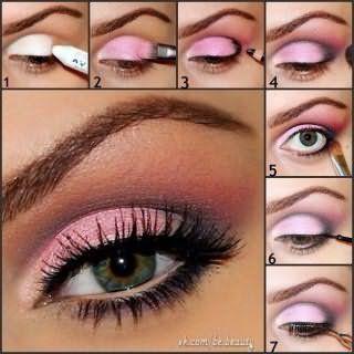 Модный вечерний макияж в розовых тонах для серо-зеленых глаз и рыжих волос: поэтапная технология на фото