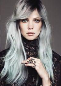 Модный тренд - серые волосы