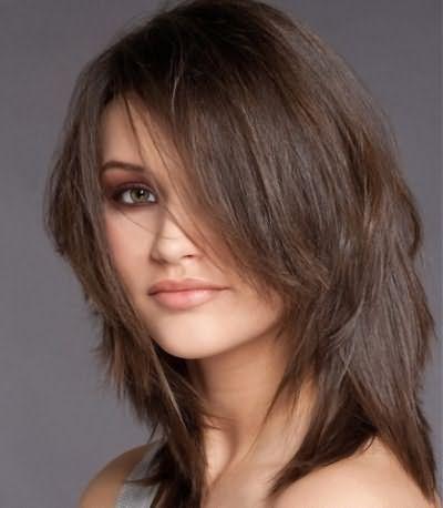 Видео стрижки каскад на средние волосы