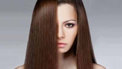 На фото - идеально гладкие волосы – мечта многих женщин