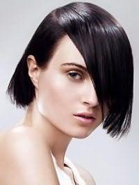 Оригинальная стрижка каре с удлинением для черных волос и квадратной формы лица