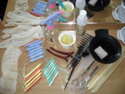 Фото: набор инструментов для проведения завивки