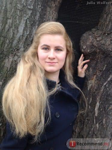 Выпрямленные феном волосы после осветления