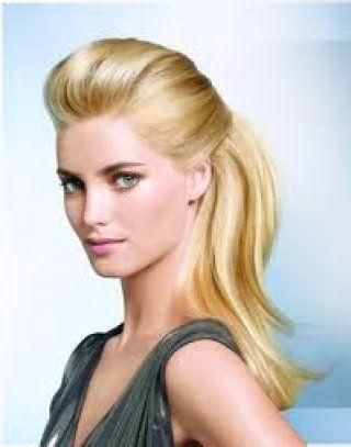 Красивая прическа с начесом для светлых волос средней длины