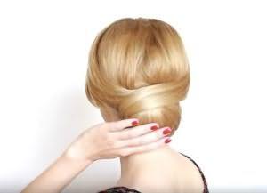 как сделать красивую укладку на средние волосы 13