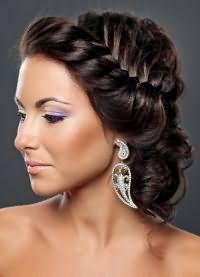 красивые укладки волос средней длины 9