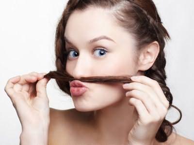 Растительность на лице у женщин чаще всего появляется из-за гормонального сбоя