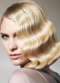 варианты укладки волос средней длины7