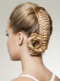 Оригинальная прическа дракончик на средние волосы