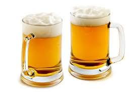 Пиво обеспечит не только удаление загрязнений, но и питание локонов