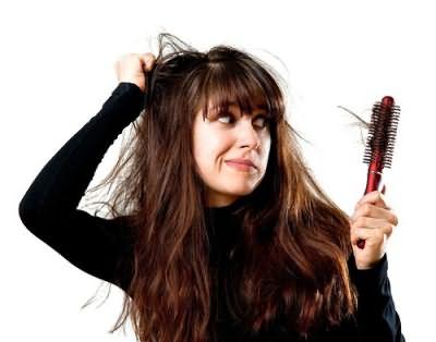 Много волос на расческе – признак их ослабления