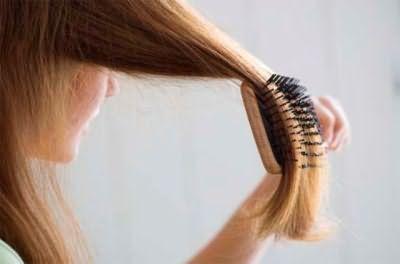 расчесать волосы