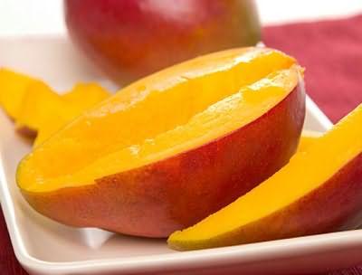 Инструкция по приготовлению фруктовых масок предполагает использование исключительно спелых и свежих плодов