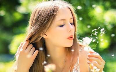 Почему волос пушится? Виновник всему сухой воздух и поврежденная структура локонов