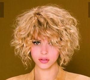Фото: боб-каре для кудрявых волос