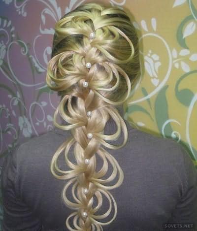Прическа двухсторонняя ажурная коса