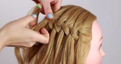 Коса до середины головы