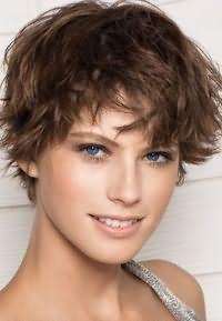 как красиво уложить короткие волосы 6