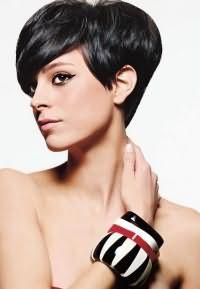 как красиво уложить короткие волосы 8