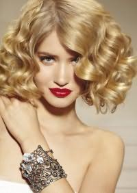 Способ быстрой укладки средних волос.