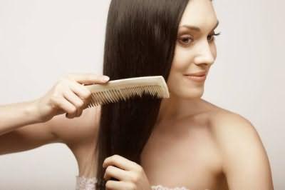 Репейные маски сделают волосы более блестящими и податливыми