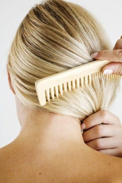 Расчесывайте только сухие волосы