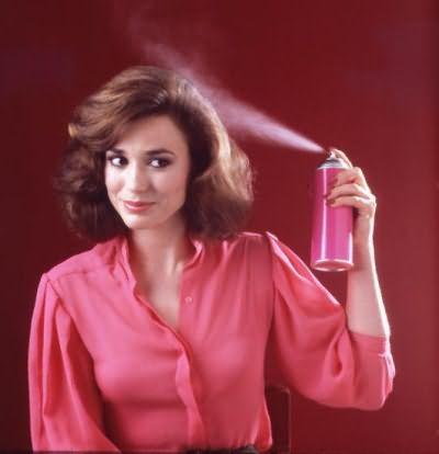 Лак для волос - самое популярное средство для укладки волос любой длины. Важно правильно выбрать степень фиксации лака, чтобы получить желаемый результат