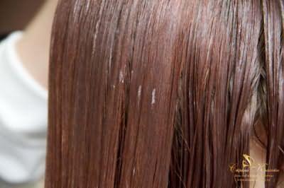 Формальдегид выпрямляет любые волосы, силикон придает им блеск.