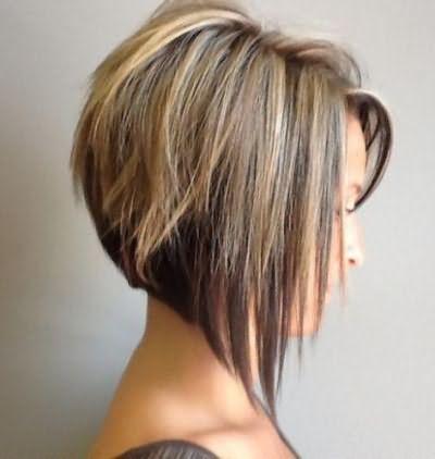 каре с челкой на тонкие волосы средней длины