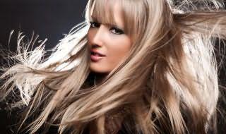 Венецианское мелирование на светлые волосы