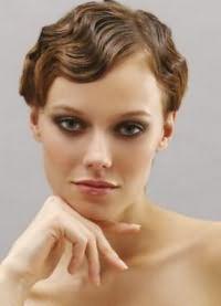 красивые причёски для коротких волос 8