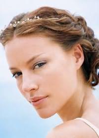 красивые причёски для коротких волос 9