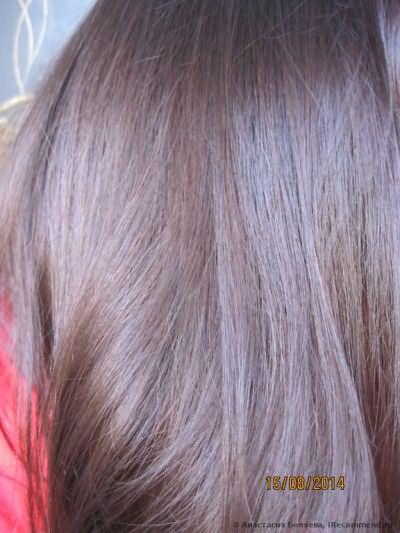 Волосы после окраски.У окна