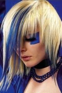 Ультрамодная креативная стрижка с рваными удлиненными прядями и мелированием для блондинок с длинными волосами