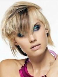 Асимметричный вариант креативной стрижки для коротких волос с колорированиемоткие креативные стрижки 2013
